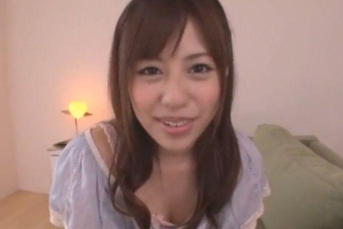 <美少女動画>瑠川リナ シコシコと全裸のリナちゃんが身体を寄せつけながら手コキしてくれるなんて♪