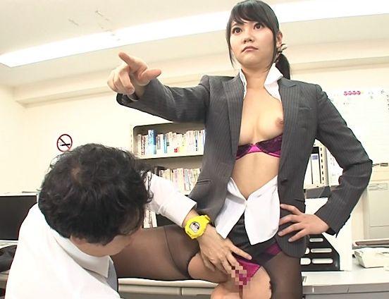 時間が止まる腕時計で無反応だった女が生ハメしたら突然痙攣絶頂!中出しをせがまれ時間も止まらなくなった!