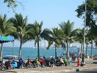 320px-Pattaya_Beach_Road.jpg