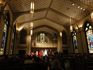 320px-Rayne_Memorial_United_Methodist_Church_interior_New_Orleans_wedding.jpg