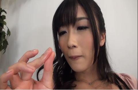 アダルト動画:大槻ひびき 淫乱オナニー