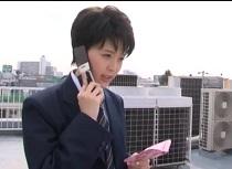 葵つかさ 男装で男子校に潜入!口止め手コキをする女捜査官