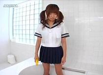 パンツ装着股間でお風呂掃除してたら気持ちいい事を発見した女子校生