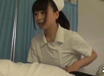 羽月希 入院患者に夜這いして騎乗位で挿入する疼きナース