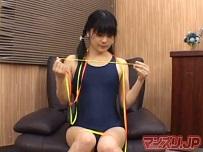 平子知歌 スク水娘の完全着衣紐オナニー