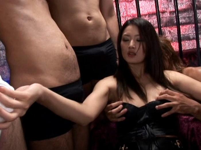 【村上里沙(むらかみりさ) 無修正動画】adaruto 男根ぶっかけファックの洗礼!!女を狂わせるデカチンの快楽