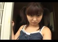 【adaruto 無臭せい動画】カワイイロリフェイスのツインテールの女の子がお留守番中にやってきた男性にレ○プされてしまう・・・