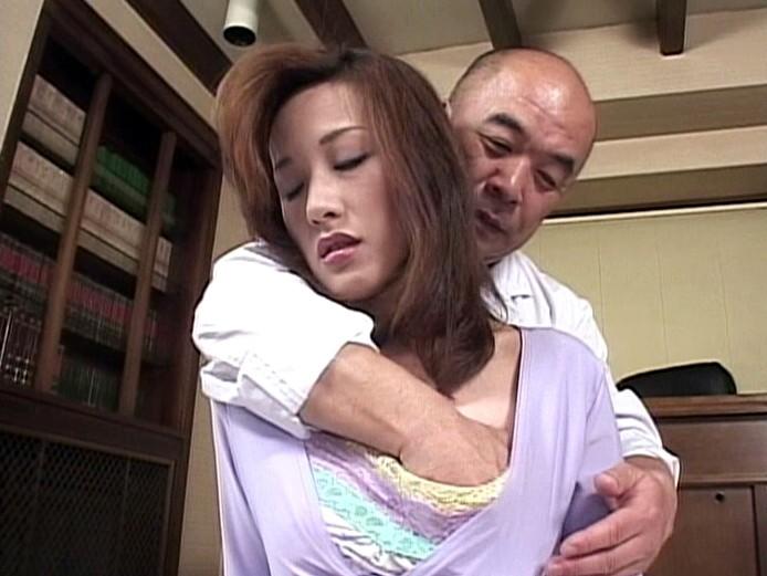 【佐伯晴香(さえきはるか) 無修正動画】adaruto 満たされない人妻~夫のチンポじゃ満たされない~