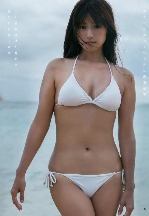 深田恭子(33) マン肉はみ出てるカラダが衰え知らずでプリップリ!