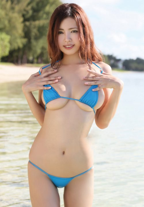 水着の女の子のエロ画像