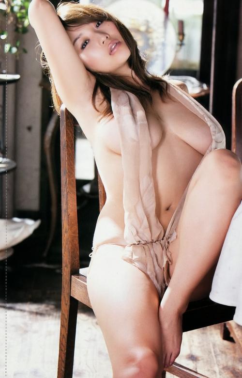 西田麻衣 画像 06