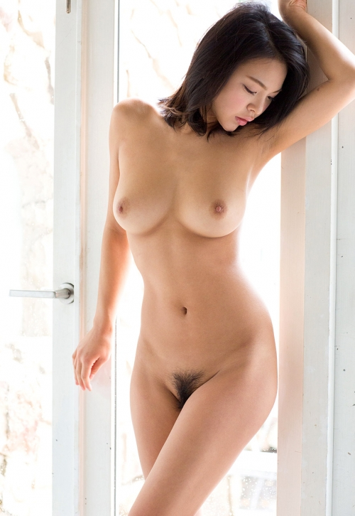 美乳 おっぱい 画像 01