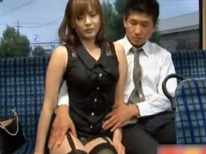 巨乳の麻美ゆま出演の無料onani-動画。麻美ゆま 巨乳娘がおとり捜査で容疑者に力ずくで犯されてしまう!