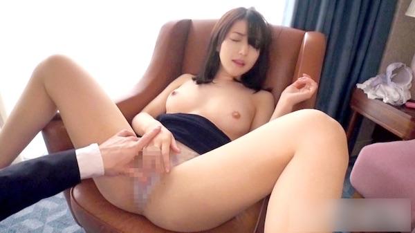 【遠藤紗耶香31歳セレブ妻】ピンク色の乳首を舐められると濡れちゃう敏感奥様【ラグジュTV】