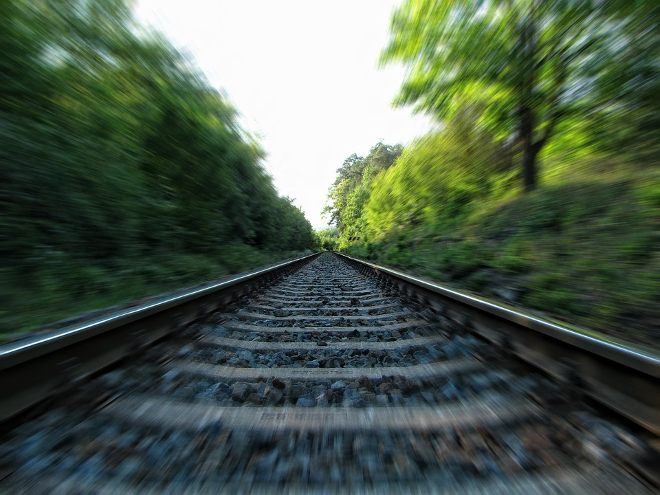 rails-253134_960_720.jpg