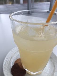 フォーラムカフェ クルール バナナジュース