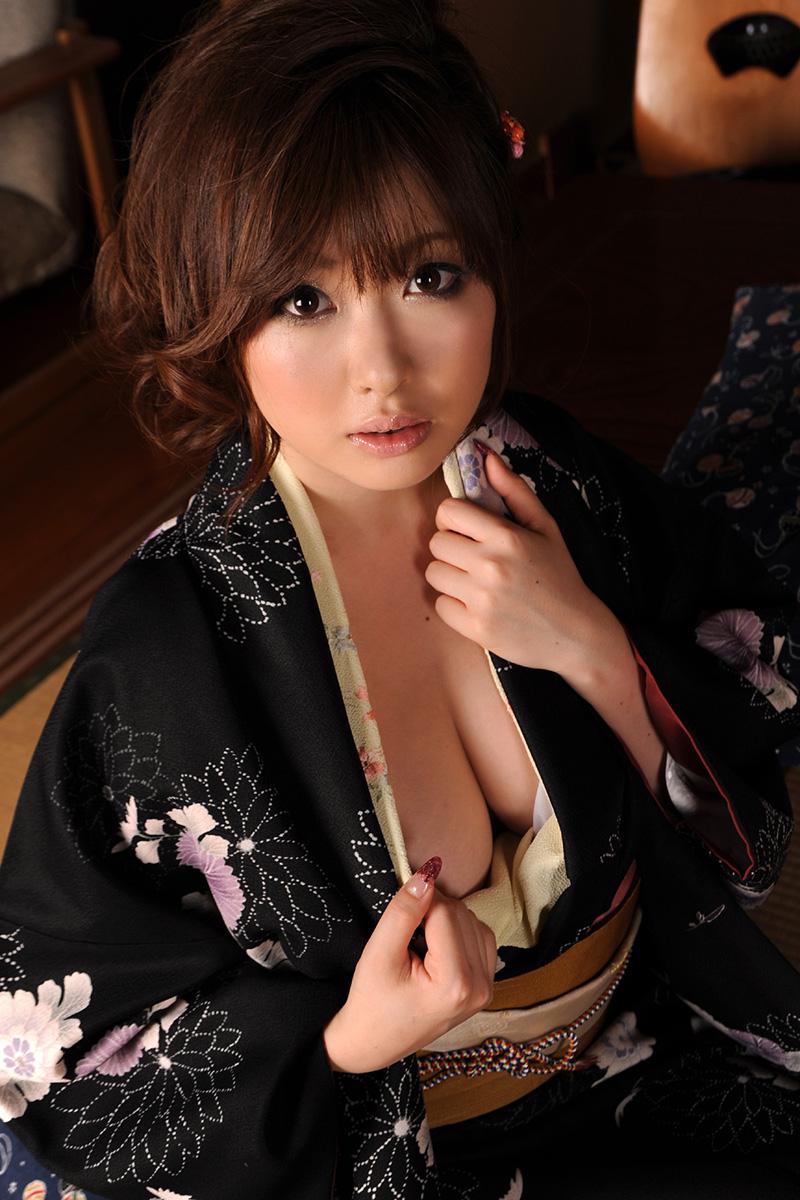 浜崎りおのグラビア写真