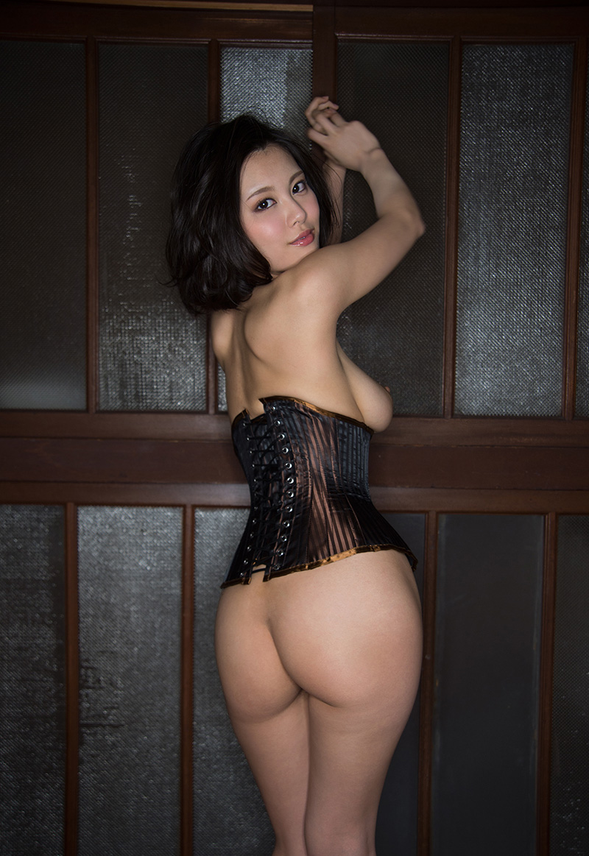 big hip wife naked caption