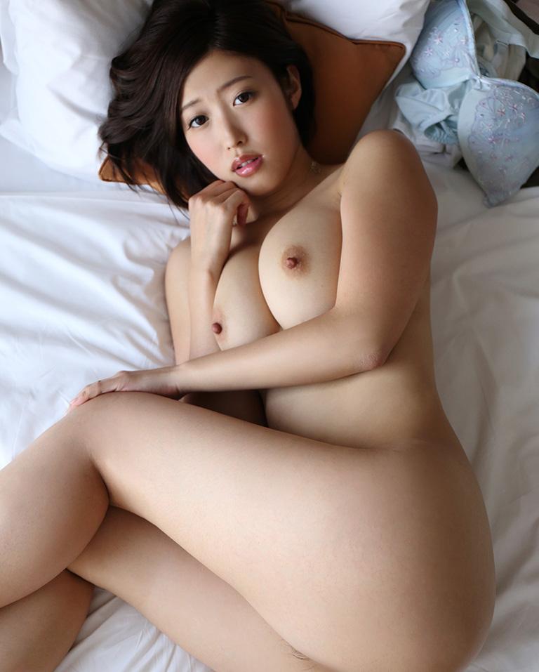 (No.27936) お乳 / 水野朝陽