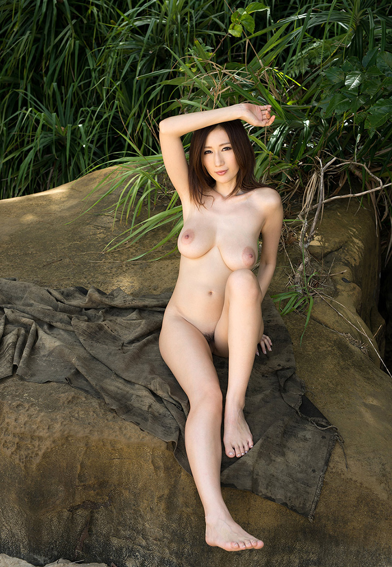 【No.28159】 オールヌード / JULIA