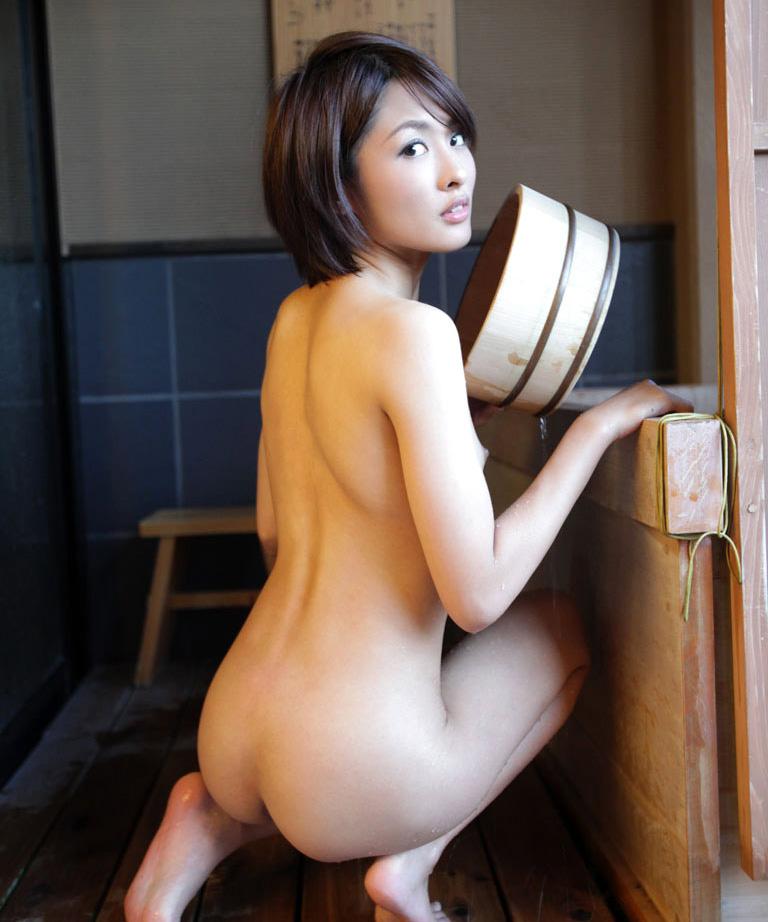 【No.28340】 背中 / 夏目優希