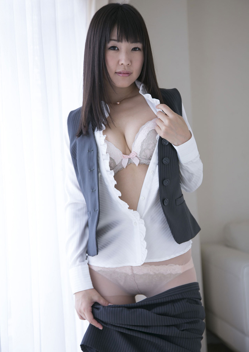 【No.28796】 谷間 / つぼみ
