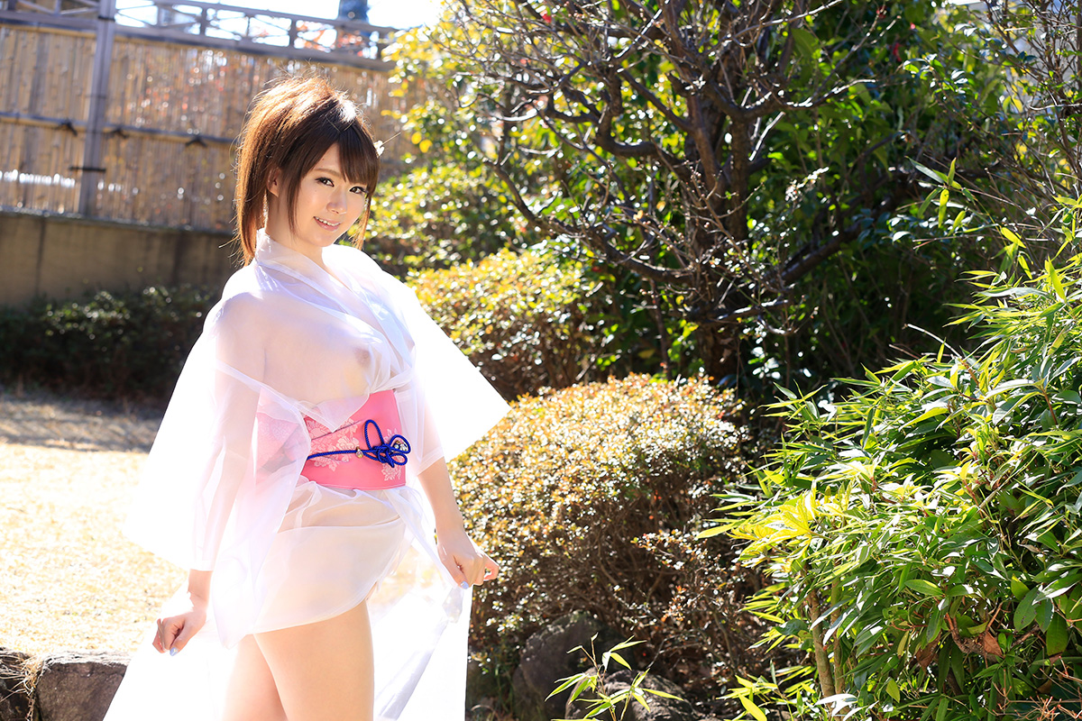 西川ゆいのグラビア写真
