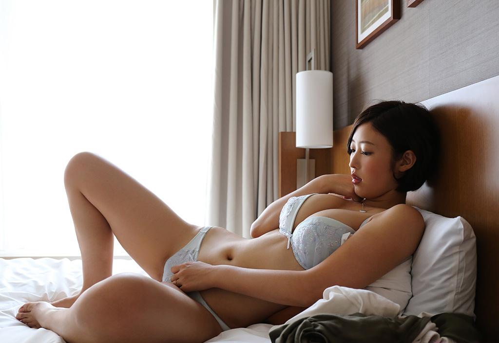 【No.29063】 下着 / 水野朝陽