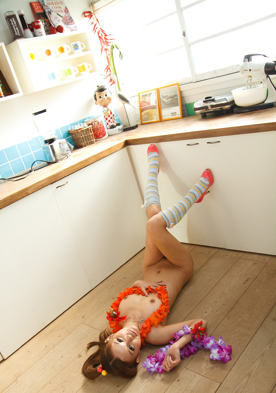 丘咲エミリのグラビア写真
