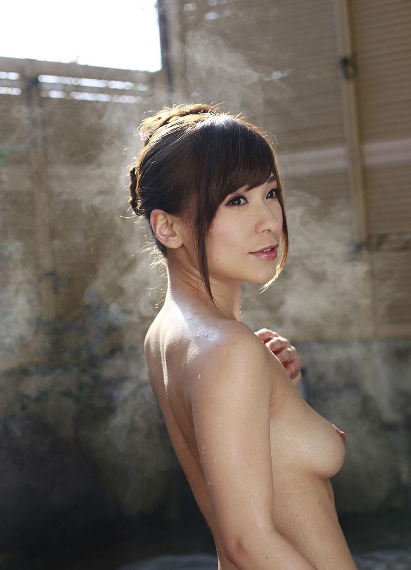 かすみ果穂のグラビア写真