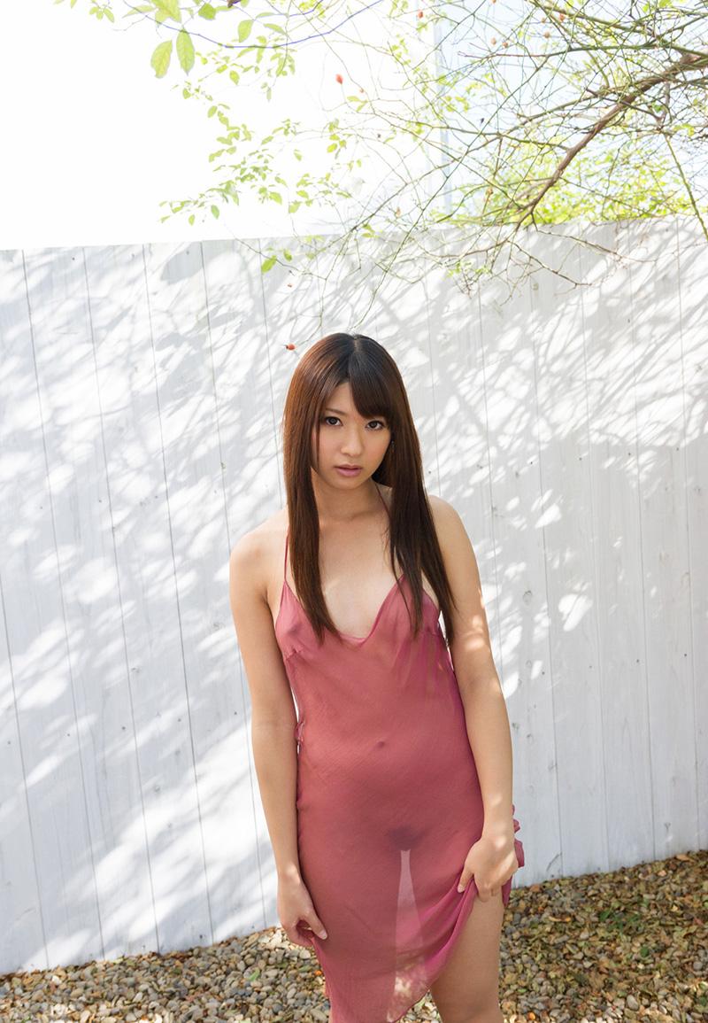 緒川りおのグラビア写真