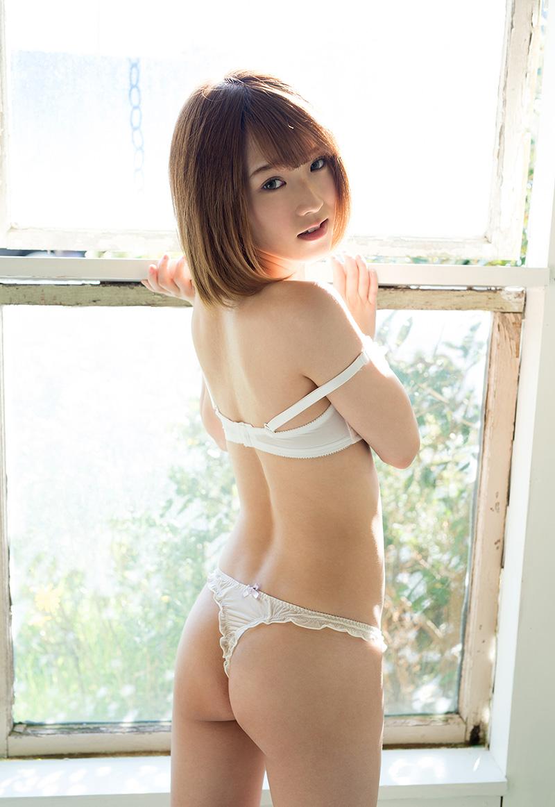 椎名そらのグラビア写真