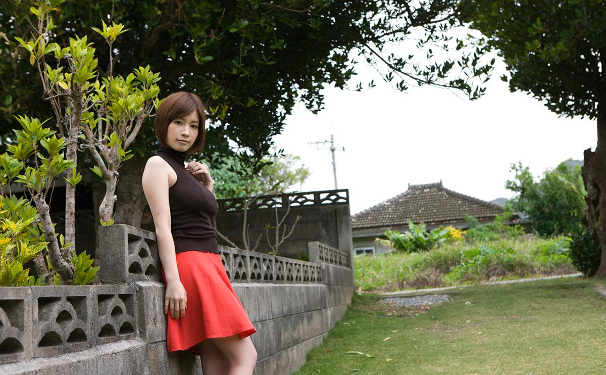 奥田咲のグラビア写真
