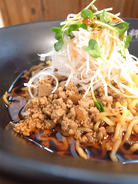 151108担担麺や 天秤-担担麺・具