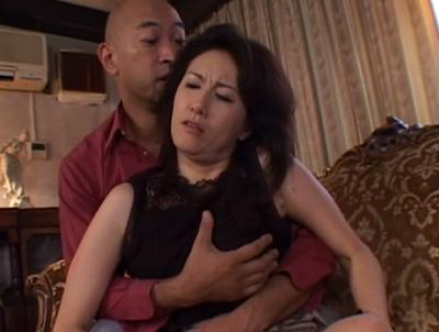 「日活ロマン無料映画」熟年女優演じる未亡人が亡くなった旦那の借金の返済におまんこを差し出すドラマの性交動画