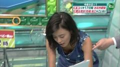 小島瑠璃子胸チラ画像4