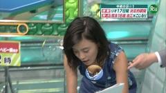 小島瑠璃子胸チラ画像8