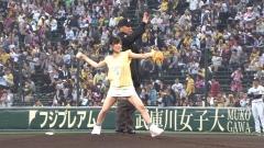 NMB48山本彩パンチラ始球式画像6