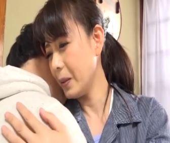 (ヒトヅマムービー)(母子交尾/三浦恵理子)ムスコのチンチンが忘れられない淫らなヒトヅマ
