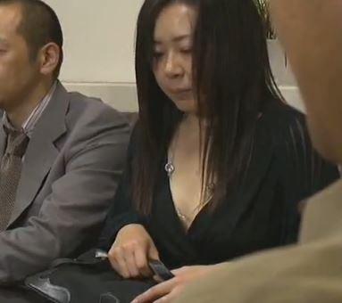【アクメ】人妻のアクメ動画。出世の為に妻を上司に寝取られるww他人棒に痙攣アクメする人妻