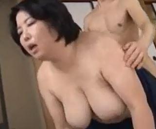 五十路の乳房