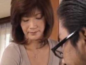 (ヒトヅマムービー)50代の母のカラダ☆ムスコにおなにー姿を覗かれたヒトヅマの結末