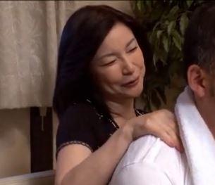 【義母 息子 動画】五十路の魔力!成熟した肉身体で息子を性の虜にする熟女義母ww高齢熟女