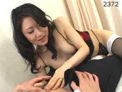 (モデルおばさん)黒ストが色っぽい痴女系のヒトヅマ☆-オネエさん