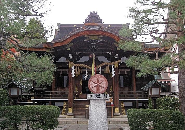 大将軍八神社社殿