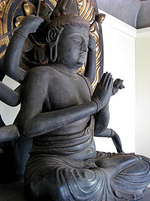 法蓮寺・不空羂索観音坐像