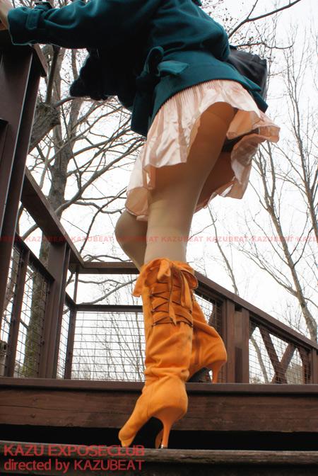 [会員ページ更新] サテンスカート風で捲れて股間に食い込むパンチラストッキング YURIKO(38)