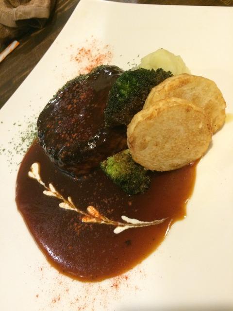 [倉敷]飲み放題980円!料理も安くて美味い!!マッシュポテト倉敷店 煮込みハンバーグ