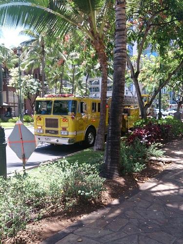 ハワイの消防車は黄色い!!