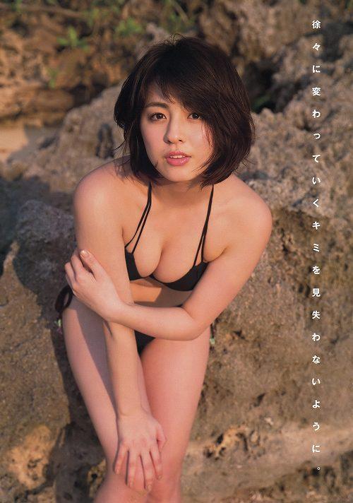 柳ゆり菜巨乳おっぱい画像b30